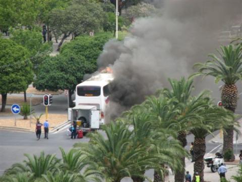 Brandende Translux bus in Kaapstad